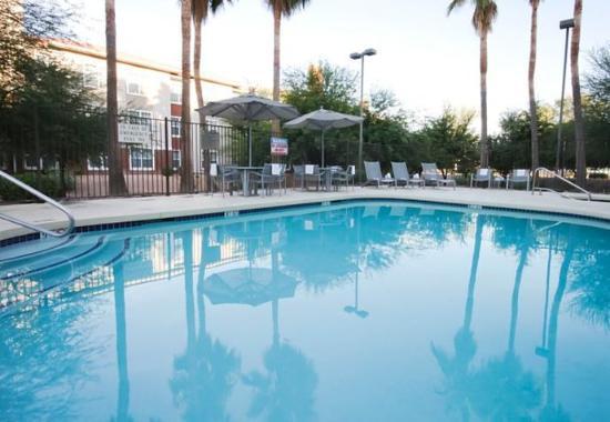 Чандлер, Аризона: Outdoor Pool