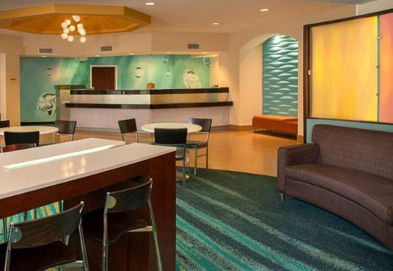 SpringHill Suites Raleigh-Durham Airport/Research Triangle Park : Lobby & Front Desk
