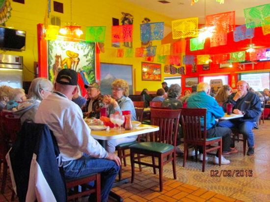 Zephyrhills, FL: Dining area