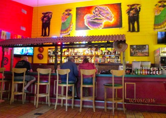 Zephyrhills, FL: Bar