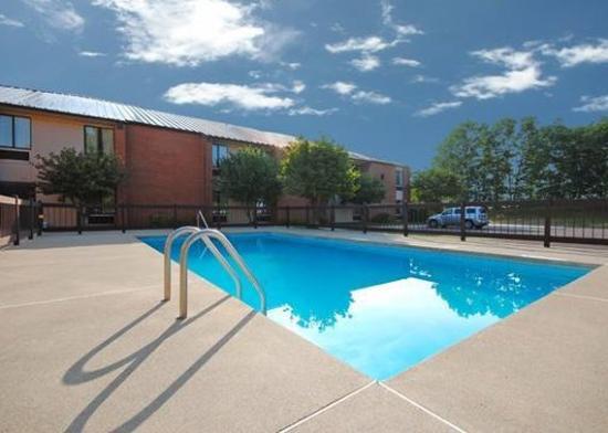 Rocky Mount, VA: Pool