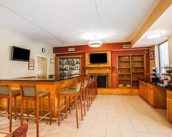 Comfort Inn Lehigh Valley West : Bar