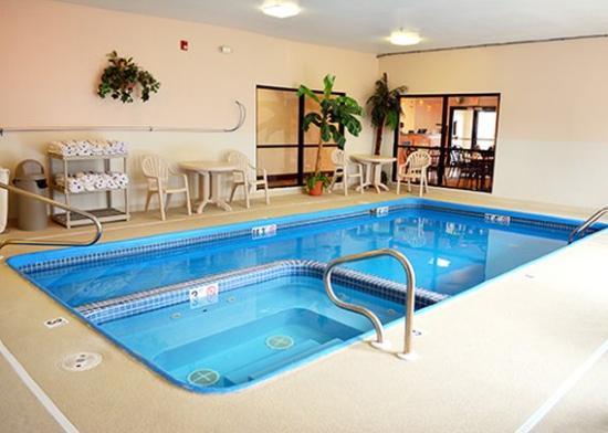 Indoor Pool Picture Of Comfort Inn Kansas City Kansas City Tripadvisor