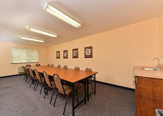 ฟอร์ตเมดิสัน, ไอโอวา: Meeting