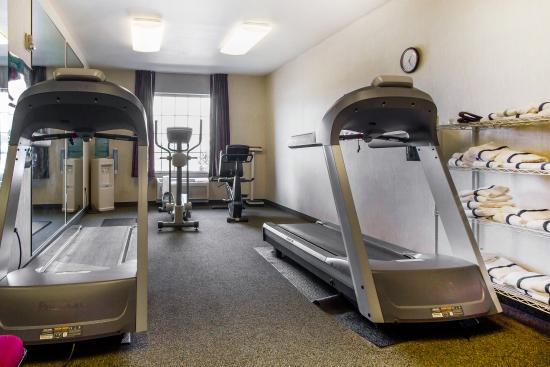 DeForest, WI: Fitness Center