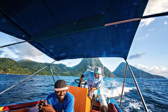 bahía de Marigot, Sta. Lucía: Captain Charlie and Dillon, Shashamane Water Taxi Tours