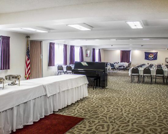 Comfort Inn Manistique: Conference