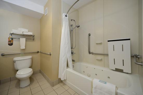 Elk Grove, Kalifornien: King Executive Bathroom