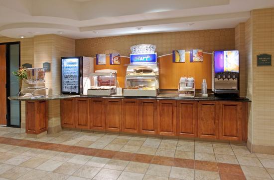 Holiday Inn Express Elk Grove: Elk Grove Sacramento Breakfast Bar