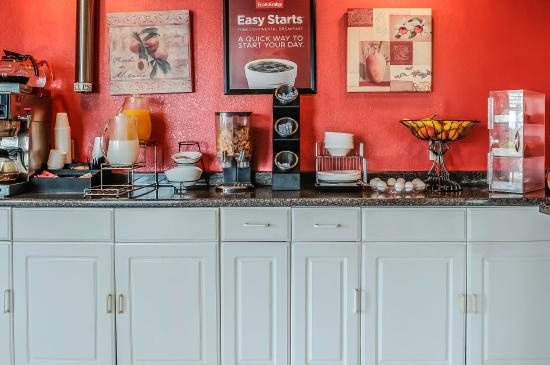 Econo Lodge Tucumcari : Breakfast