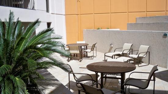 Holiday Inn Riverwalk: Pool Deck Seating