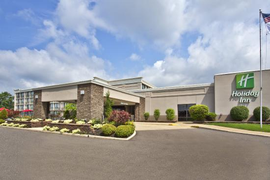 Holiday Inn Akron-Fairlawn: Hotel Exterior