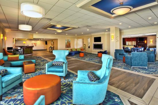 Holiday Inn Akron-Fairlawn: Hotel Lobby