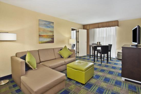 Akron, OH: King Suite living area
