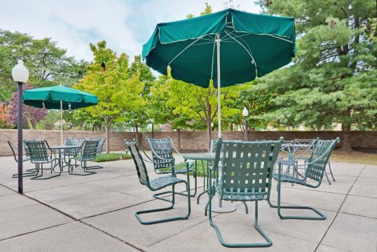 Poughkeepsie, NY: Guest Patio