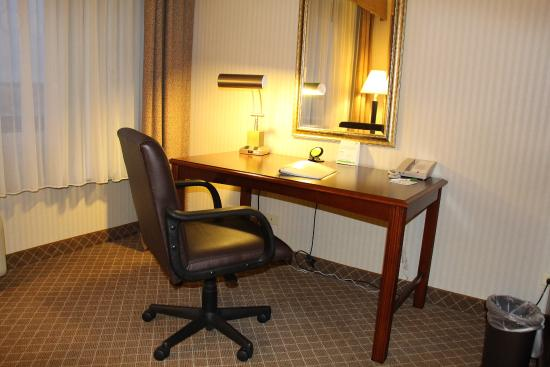 Lakewood, CO: Get your work done in Denver then relax and enjoy our amenities