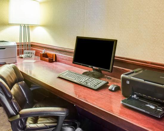 Fredericksburg, VA: Business Center