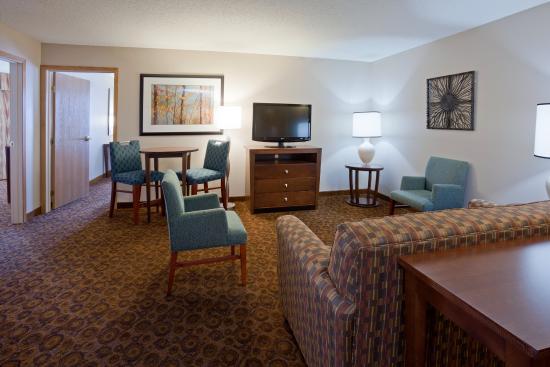 Saint Cloud, MN: Family Suite