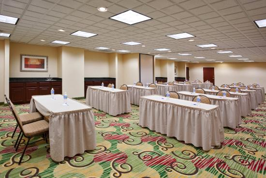 Streetsboro, OH: Meeting Room with Classroom arrangement for 24