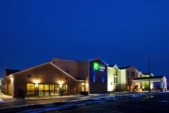 Streetsboro, OH: Hotel Exterior view heading East on OH-14