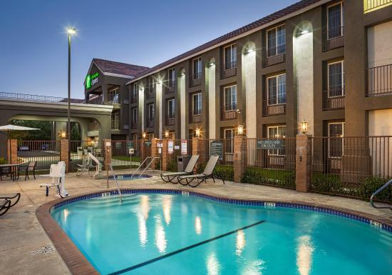 Lancaster, CA: swimming pool