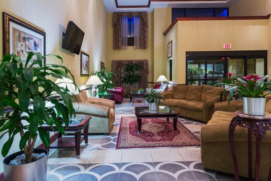 Sebring, FL: Lobby Atrium and Seating Lounge