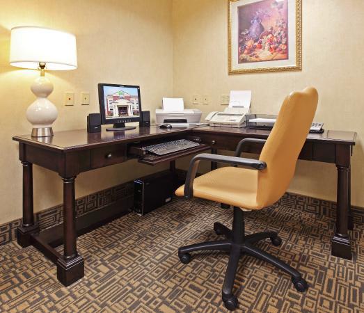 Pine Bluff, AR: Business Center