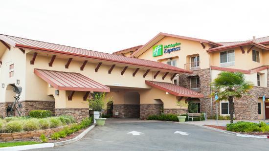 Turlock, CA: Hotel Exterior