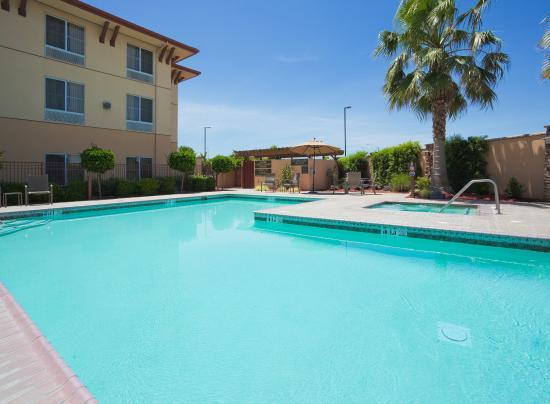 Turlock, CA: Swimming Pool