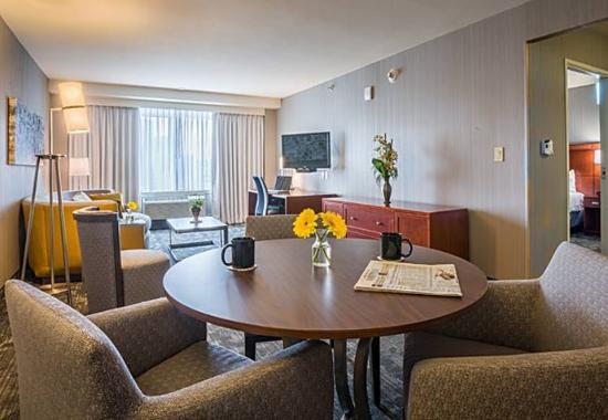 Culver City, Califórnia: King Suite Dining Area