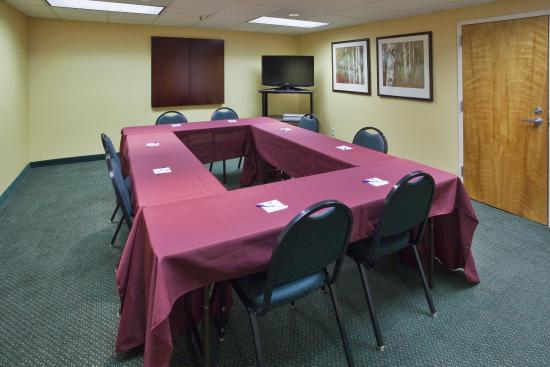 Lynchburg, VA: Our staff is ready to accommodate your meeting's needs