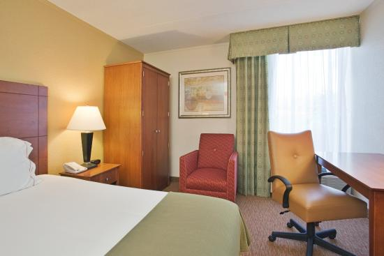 Lynchburg, VA: Our King Rooms feature HDTV and more!