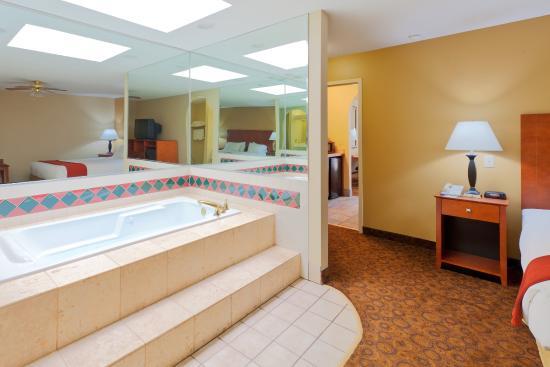 Trussville, AL: Jacuzzi Suite
