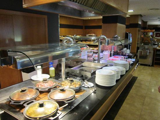Hotel Isla Mallorca & Spa: Platos calientes y plancha