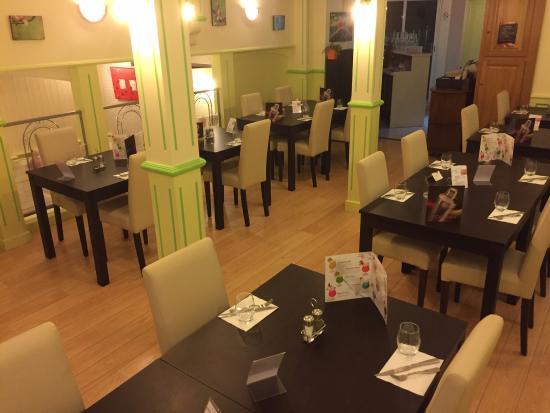 Vivonne, France: La salle de restaurant