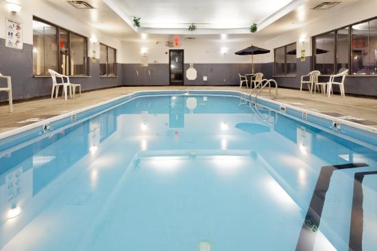 Lancaster, OH: Swimming Pool