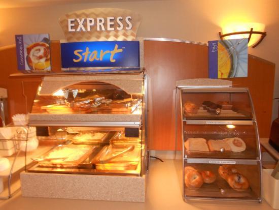 Lancaster, OH: Breakfast Bar