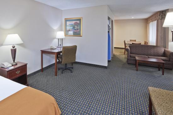 Midwest City, OK: Executive Suite