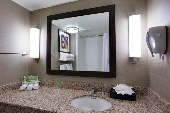 Carlstadt, Nueva Jersey: Guest Bathroom