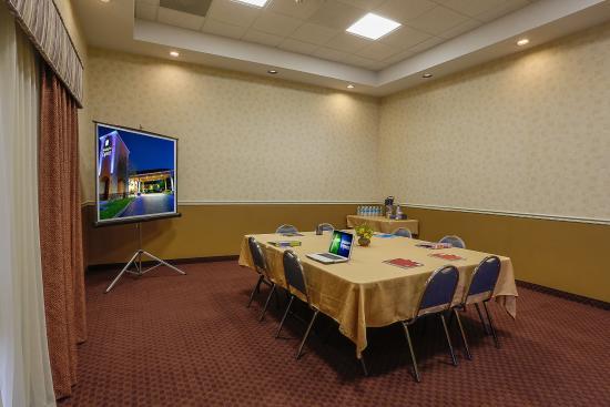 Oakdale, CA: Meeting Room