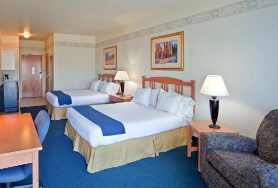 Lewiston, ID: Queen Bed Guest Room