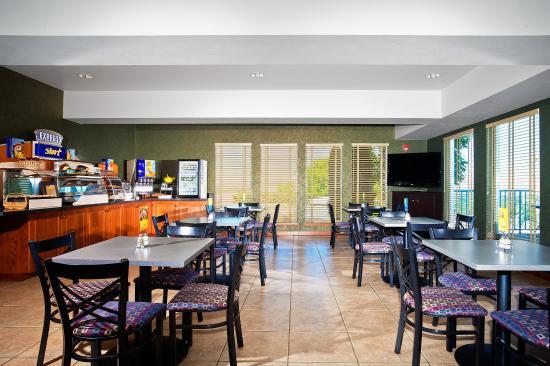 Lewiston, ID: Breakfast Bar