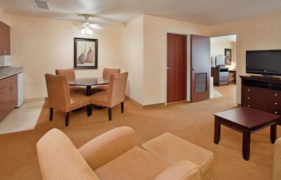 Lawrence, KS : Master Suite