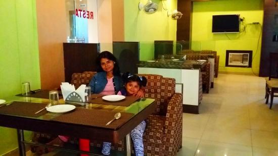 Hotel The Sutrupti: Shona deb 3