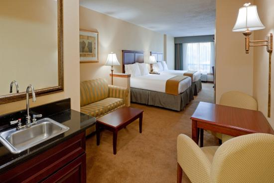 Branchburg, نيو جيرسي: Plenty of room in our Executive King Suite!