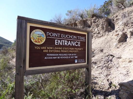 Los Osos, CA: Sign as you enter from parking lot