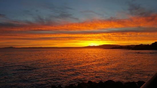 Lovers Point: Sunrise