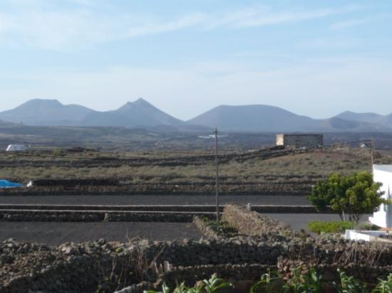 Tinajo, Spanien: View of volcanic National Park from El Jallo