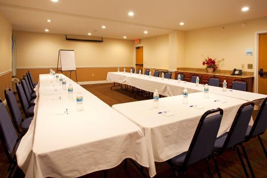 Holiday Inn Express - Ocala Midtown Medical - US 441: Meeting Room and Amenities