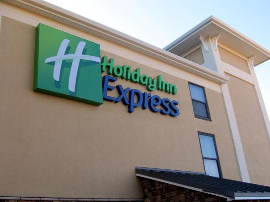 Holiday Inn Express Anderson: Hotel Sign